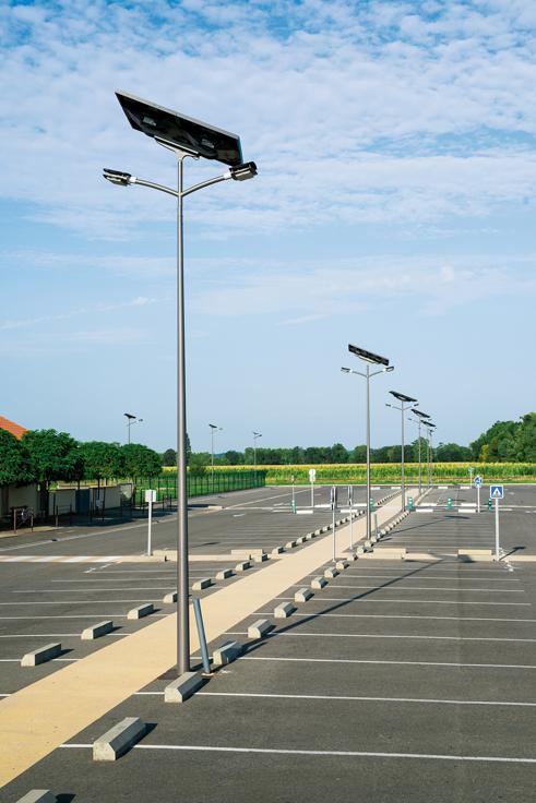 Lampadaire solaire ext rieur cand labre clairage public for Candelabre exterieur